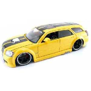 Dodge Magnum R/T 2006 Yellow (1/18)